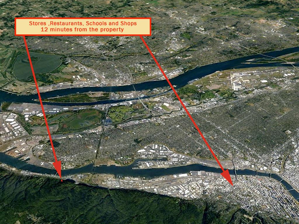 Portland Lot Overlooking The Willamette River - Image 5