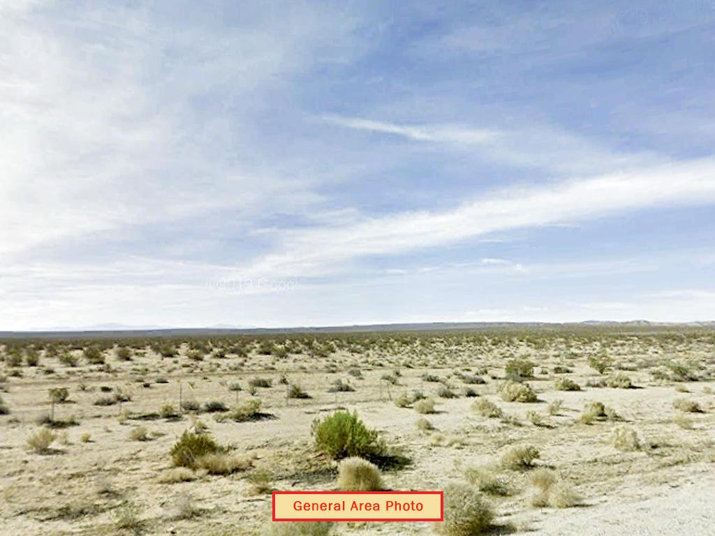 Sprawling 10 Acre Lot in California Desert - Image 3