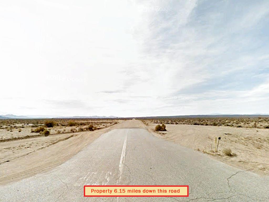 Sprawling 10 Acre Lot in California Desert - Image 4