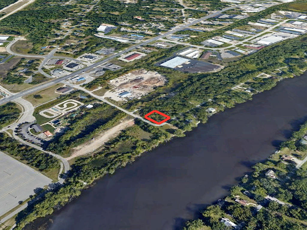 Gorgeous Undeveloped Lot with River View - Image 3