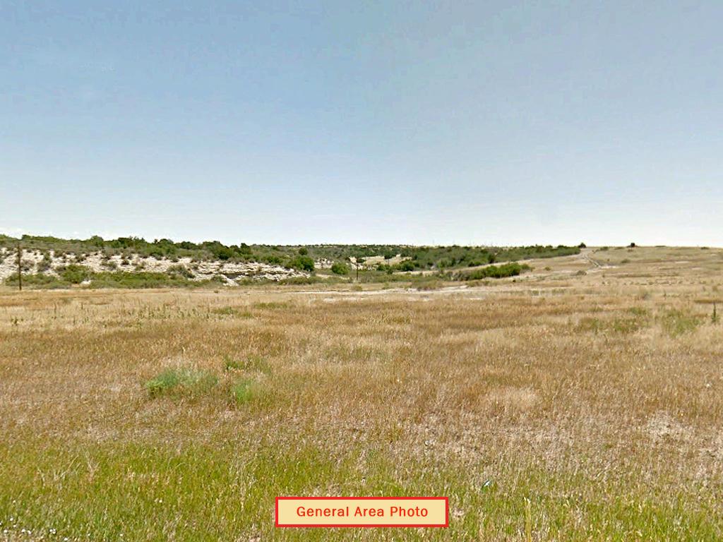 Colorado City Residential Oasis - Image 4