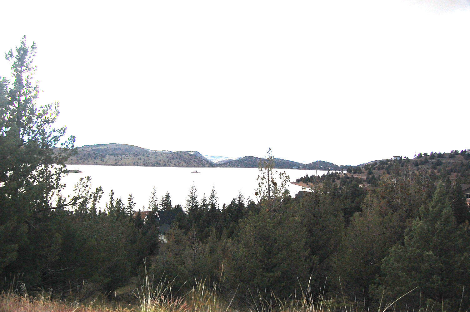 Great Location Overlooking Lake Shastina - Image 6