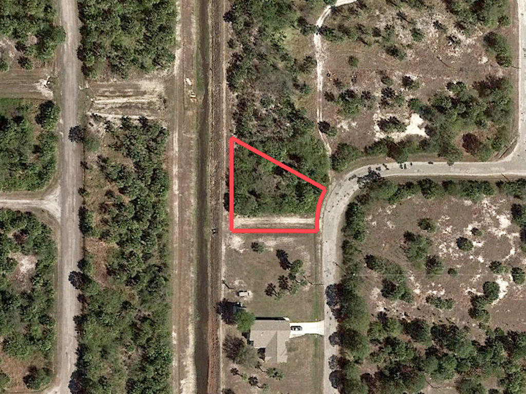 Prime Real Estate in High End Location - Image 1