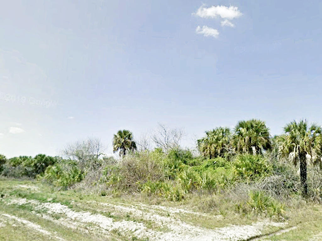 Prime Real Estate in High End Location - Image 0