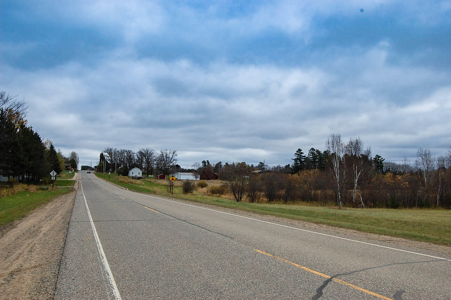Beautiful Good Size Lot in Akeley - Image 6