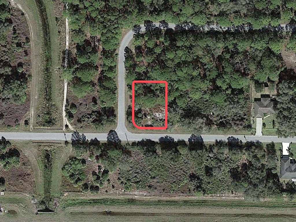 Easy Access Quarter Acre Corner Lot Just Off I-75 - Image 2