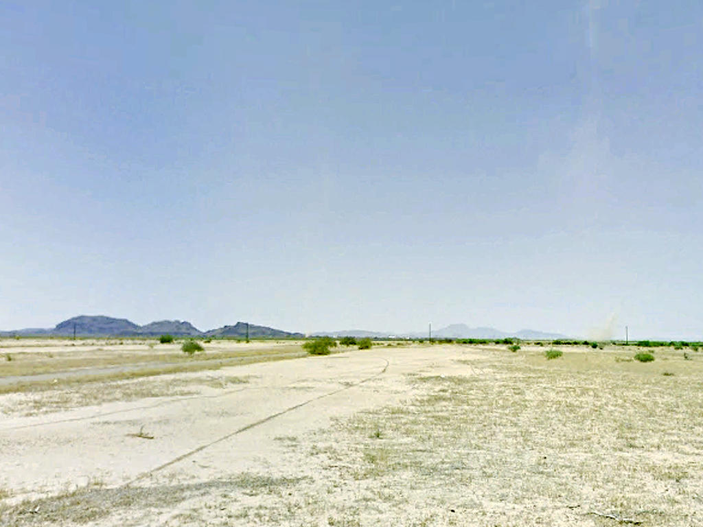 Cleared Desert Land in Arizona City Rural Countryside - Image 0