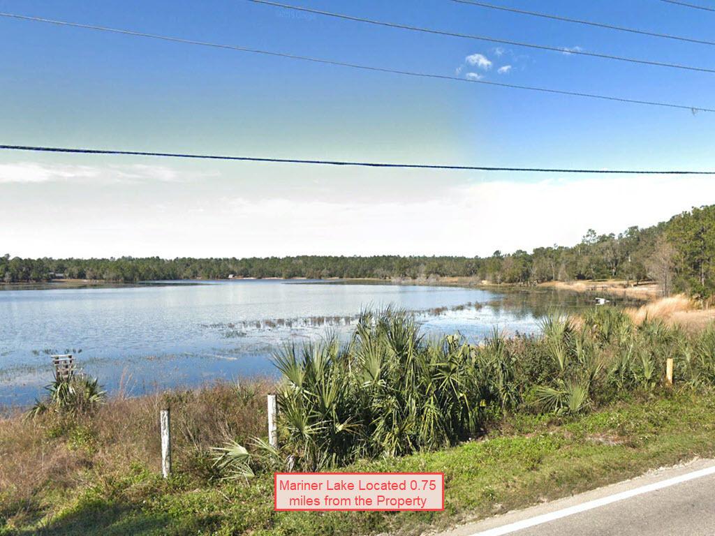 Quarter Acre Residential Interlachen Estate - Image 4