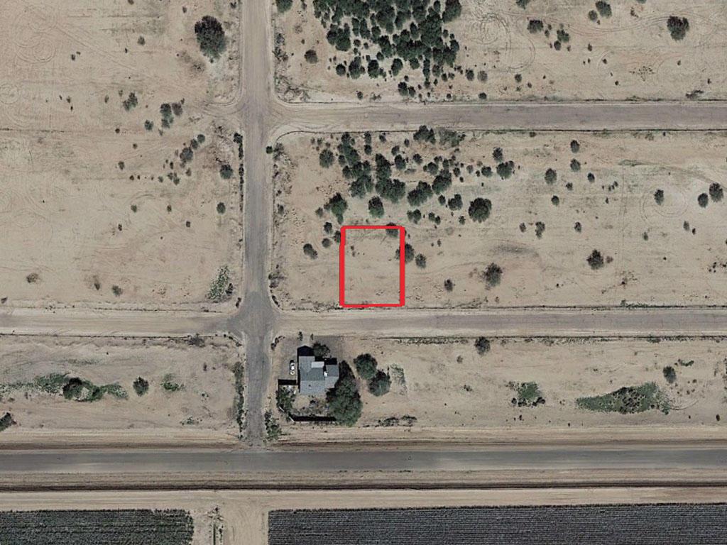 Quaint Residential Lot in Charming Desert Town - Image 1