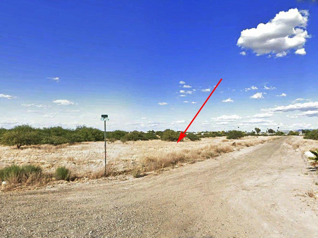 Quaint Residential Lot in Charming Desert Town - Image 0