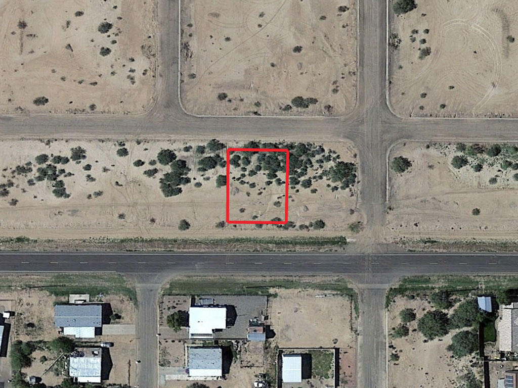 Arizona Residential Lot on Paved Road - Image 1