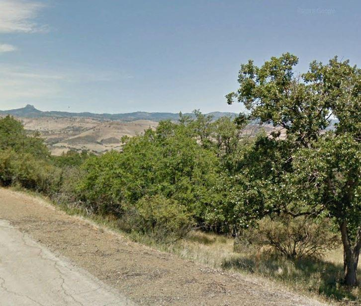 Northern California Beauty With Plenty of Homes Nearby - Image 0