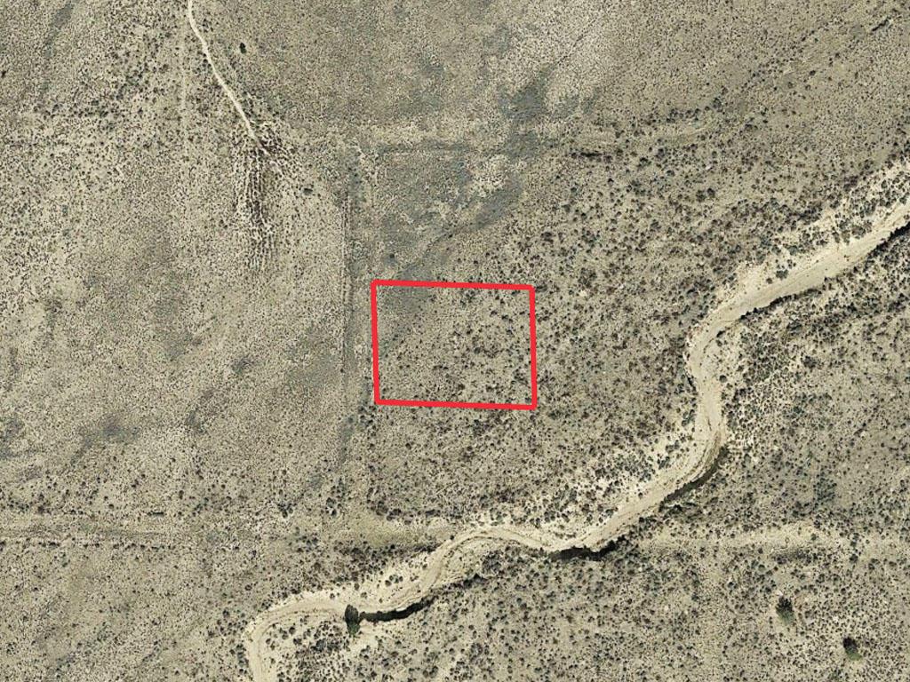 Picturesque Arizona Acreage in Spacious Desert Location - Image 2