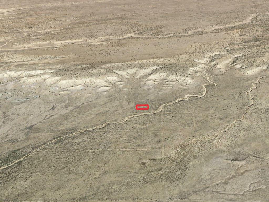 Picturesque Arizona Acreage in Spacious Desert Location - Image 3