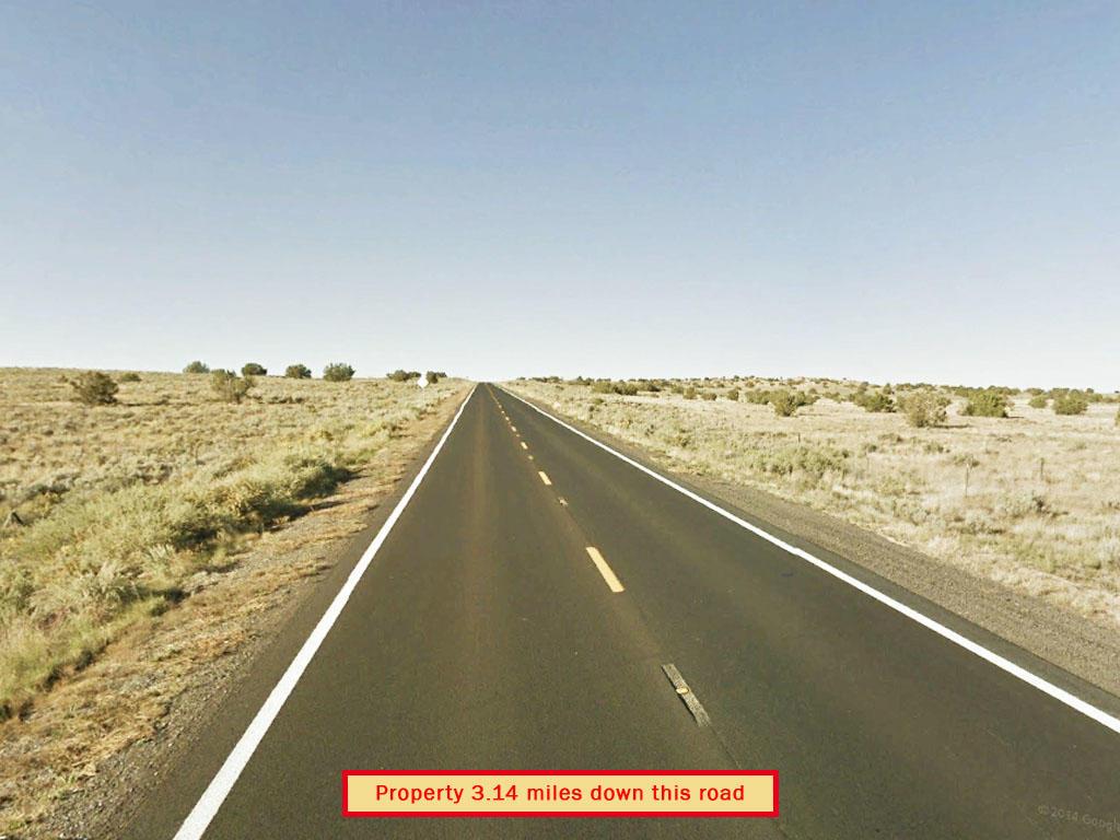 Picturesque Arizona Acreage in Spacious Desert Location - Image 4