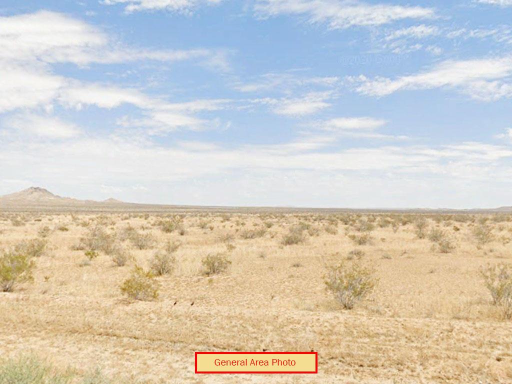 Spacious 2 Acres in California Desert - Image 3