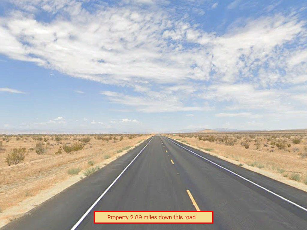 Spacious 2 Acres in California Desert - Image 4