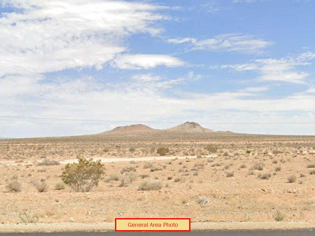 Spacious 2 Acres in California Desert - Image 0