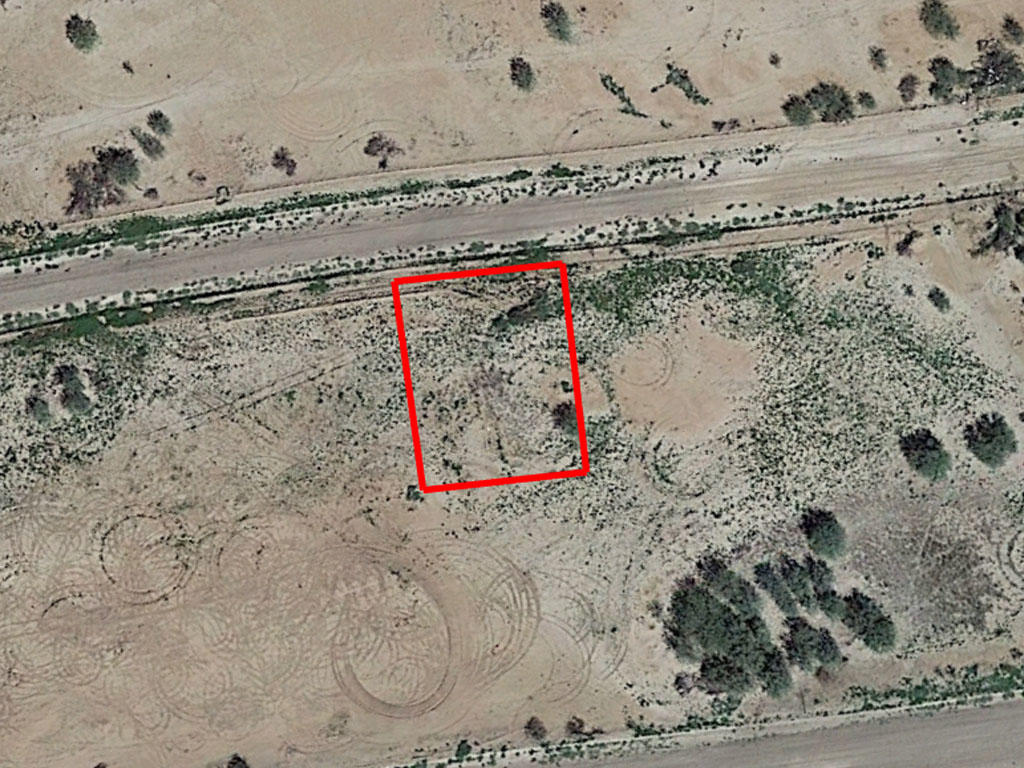 Desert Living in Up and Coming Area - Image 2