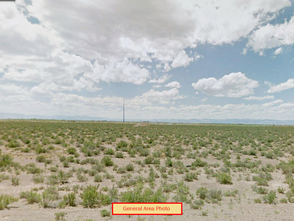 Private open property near UFO Watchtower - Image 3