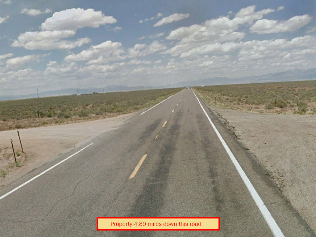 Private open property near UFO Watchtower - Image 4