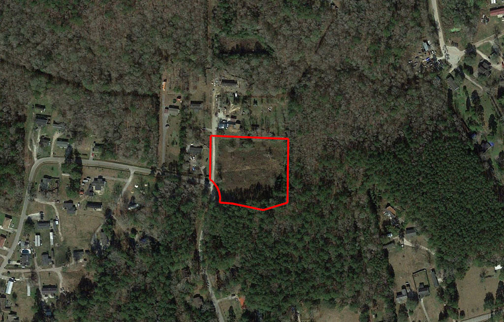 Attractive Acreage Well Placed for Many Uses - Image 2