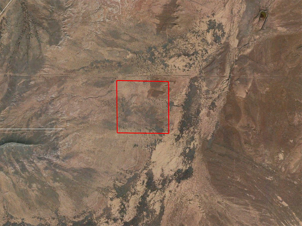 Thirty Nine Acres of Land in the Arizona Sunshine - Image 2