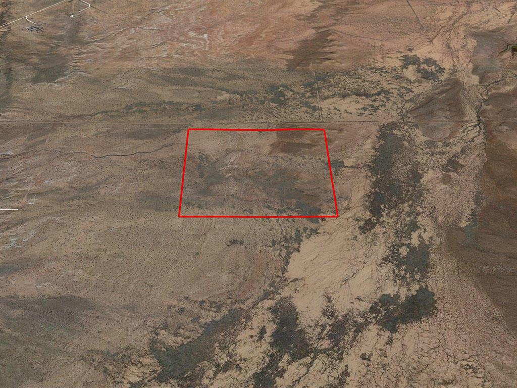 Thirty Nine Acres of Land in the Arizona Sunshine - Image 3