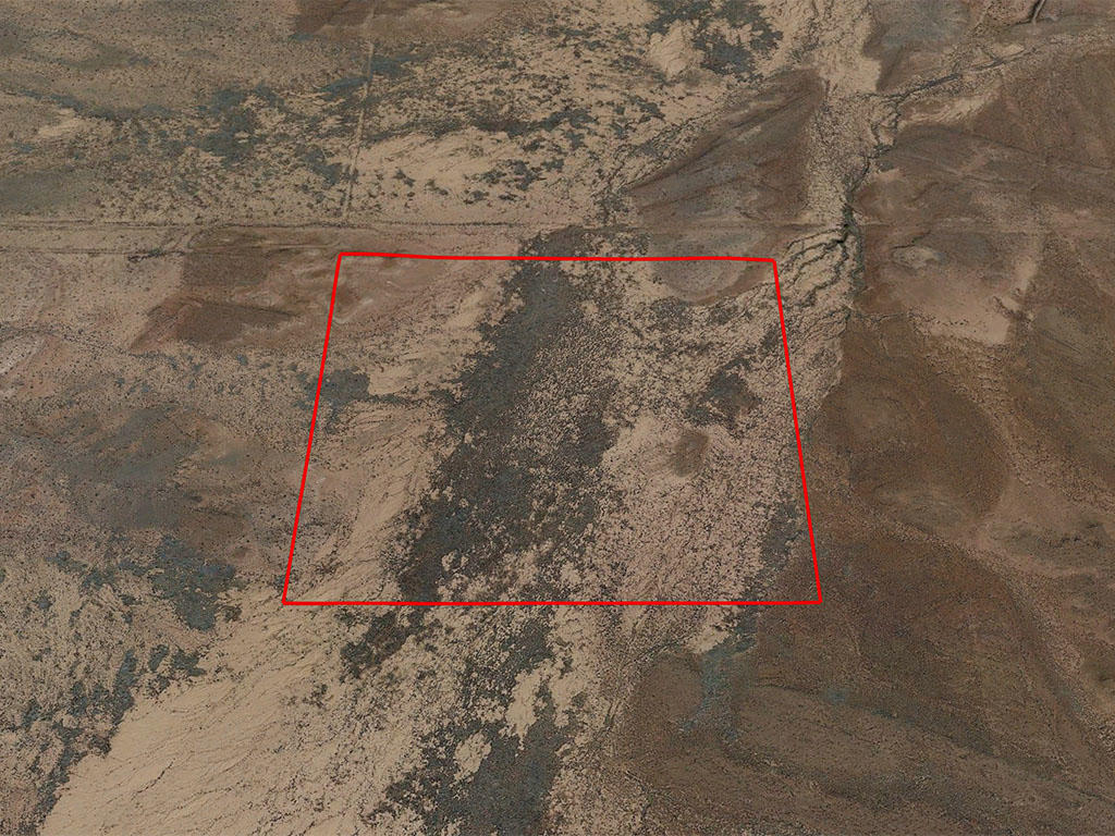 Peaceful and Private Thirty Eight Acres in Arizona - Image 2