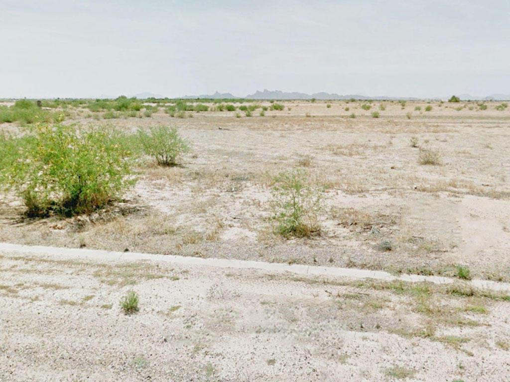 Dream Big on this Arizona City Lot - Image 0