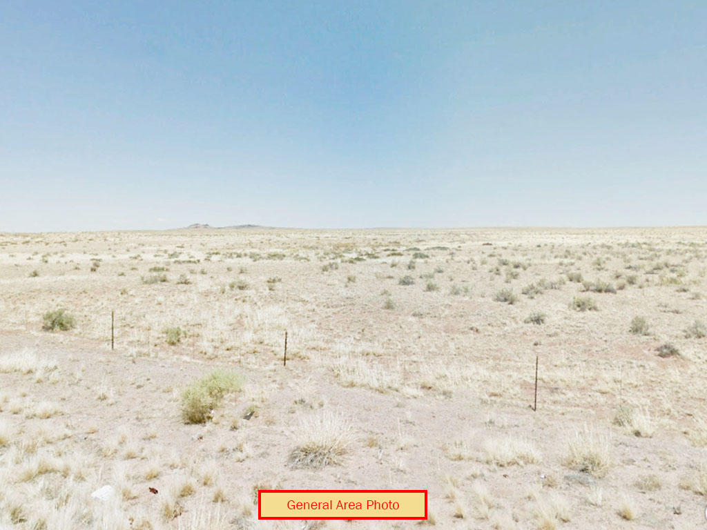 Off Grid Living on 2 Acres of Desert Land - Image 0