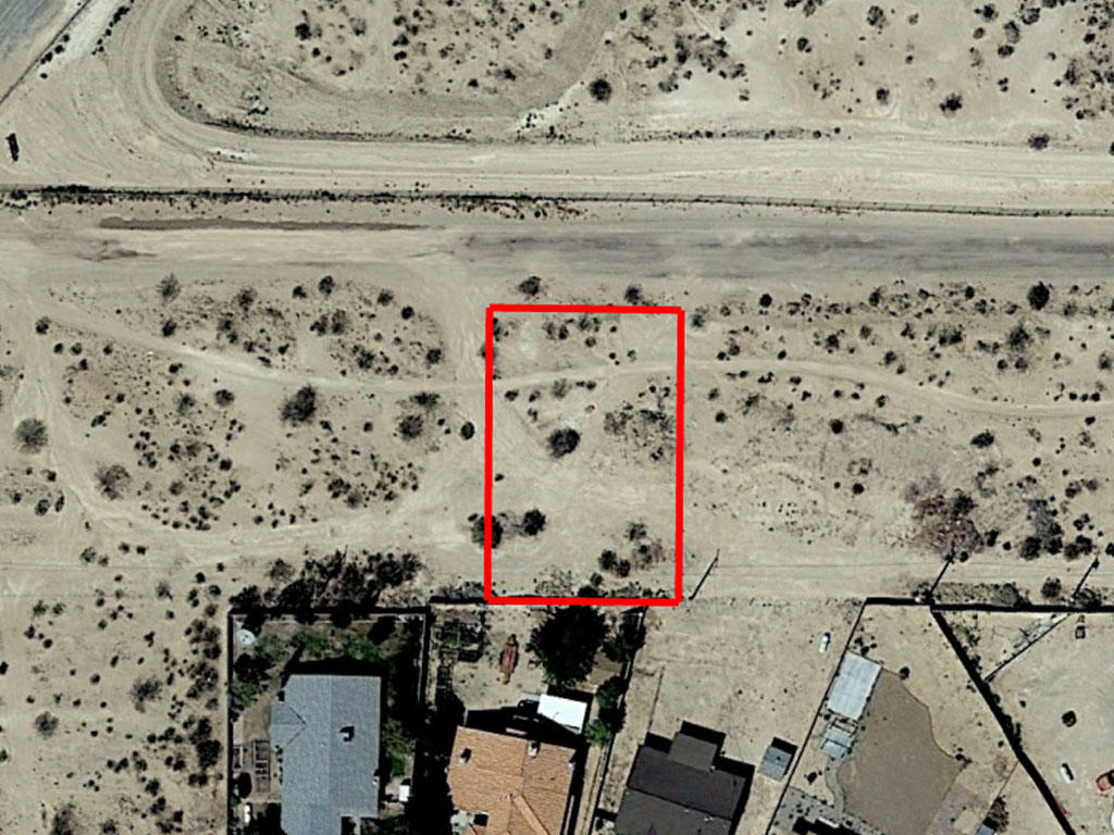 Get in Close to the Action with this California City Find - Image 1