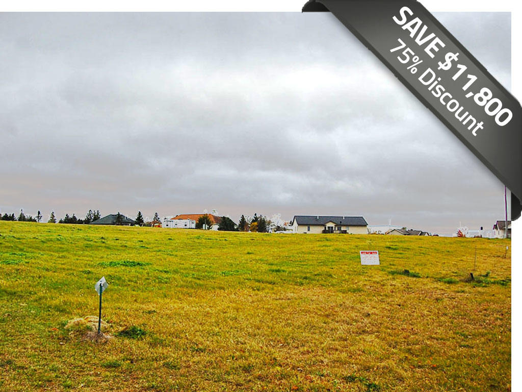 More than Half Acre in Attractive Neighborhood - Image 0