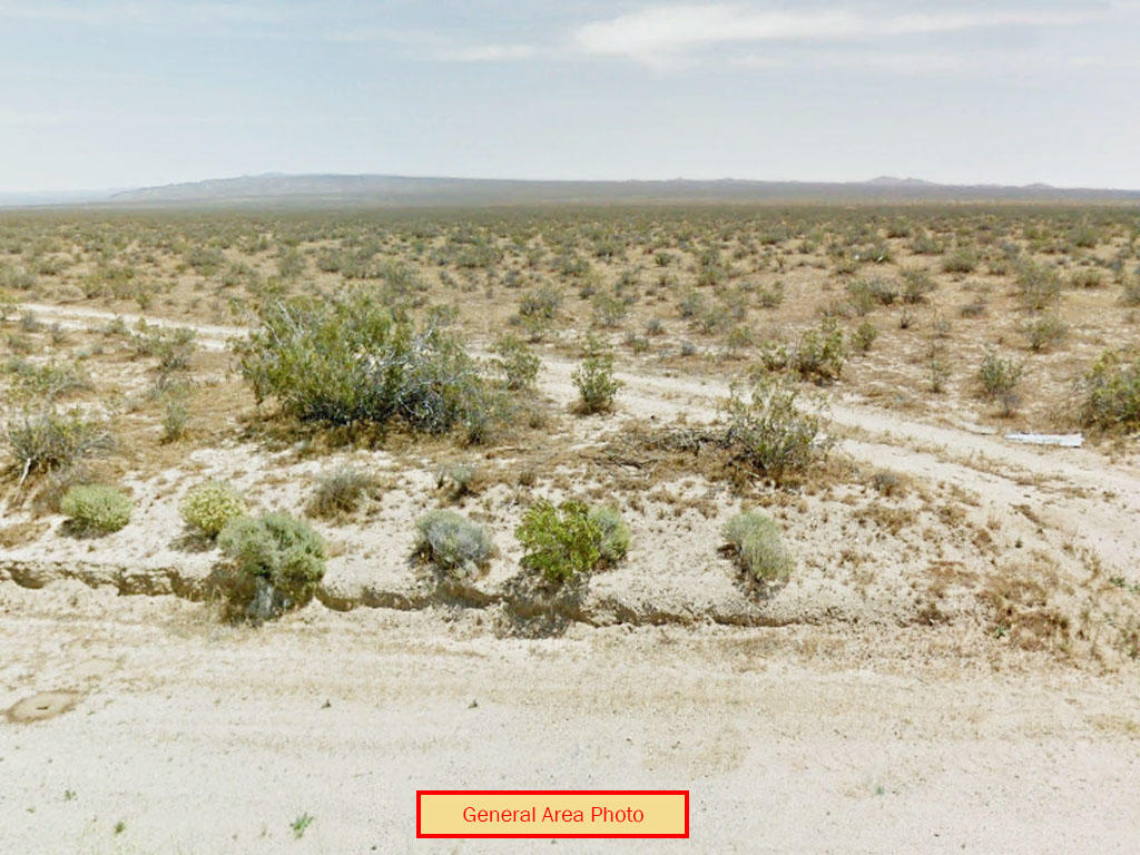 Two and Half Acre Private Oasis - Image 0