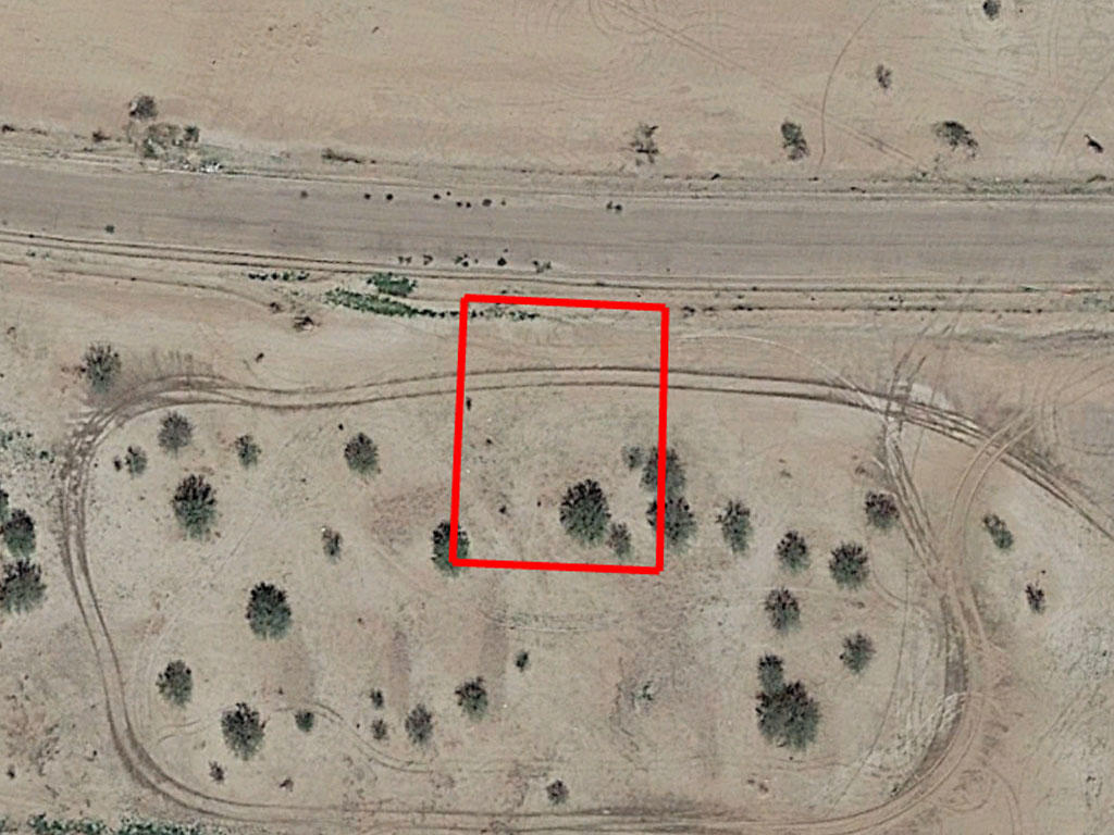 Beautiful Desert Lot in Family Friendly Town - Image 1