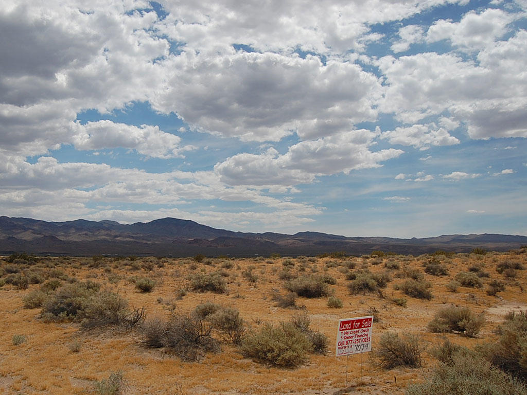 Just Under 5 Acres East of Barstow - Image 0