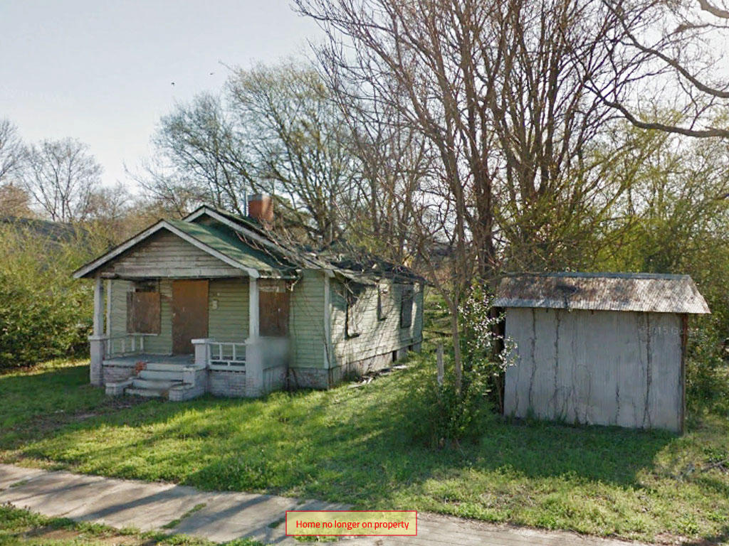 Charming Lot in Bustling Community - Image 5