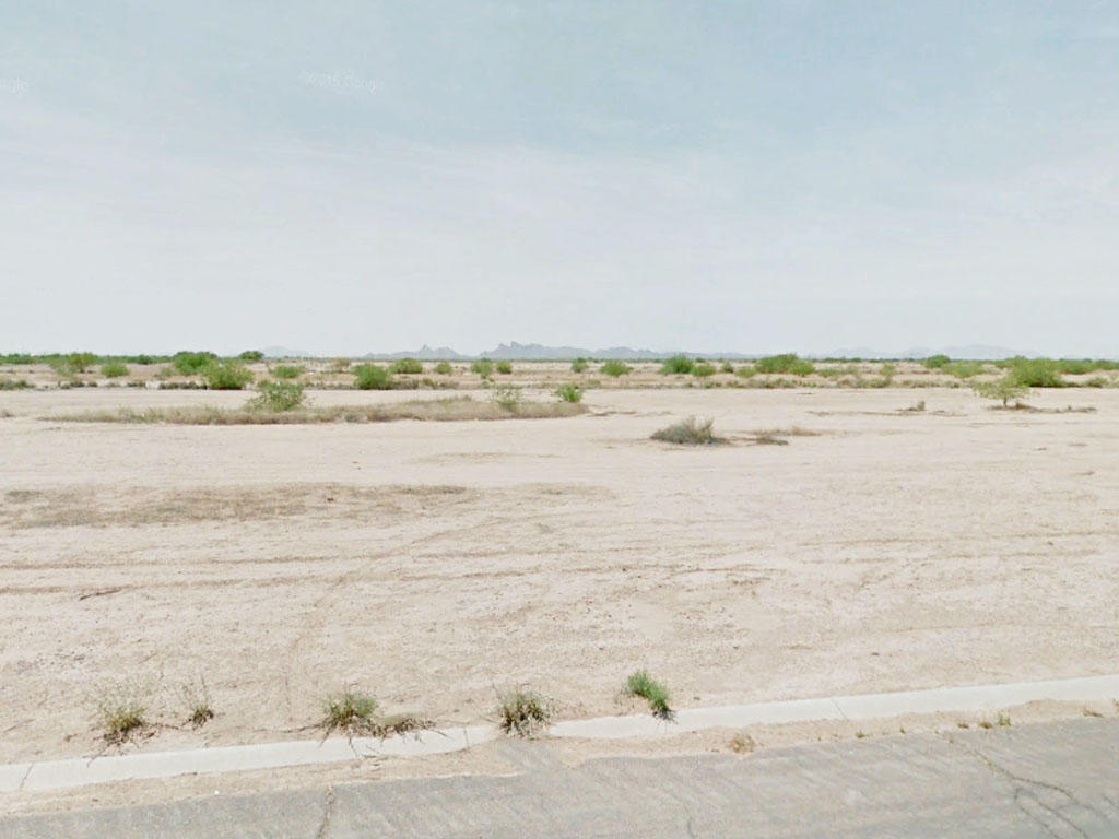 Property tucked between Phoenix and Tucson - Image 0