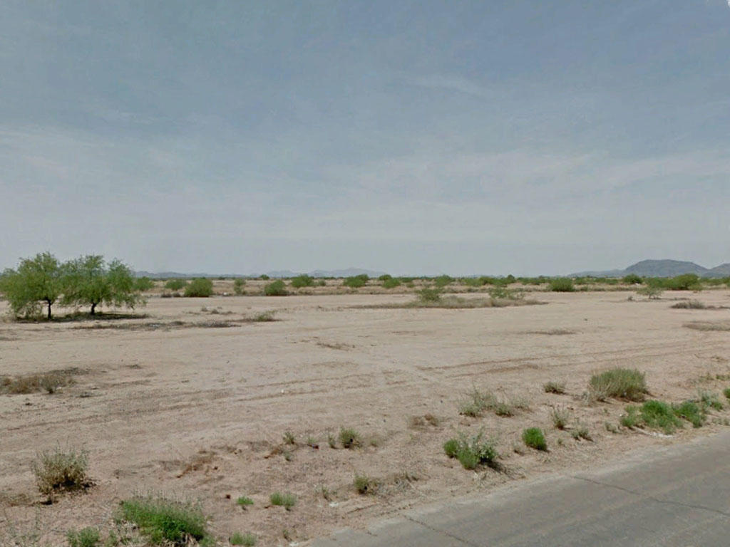 Neighborhood Property in Arizona City, Arizona - Image 3