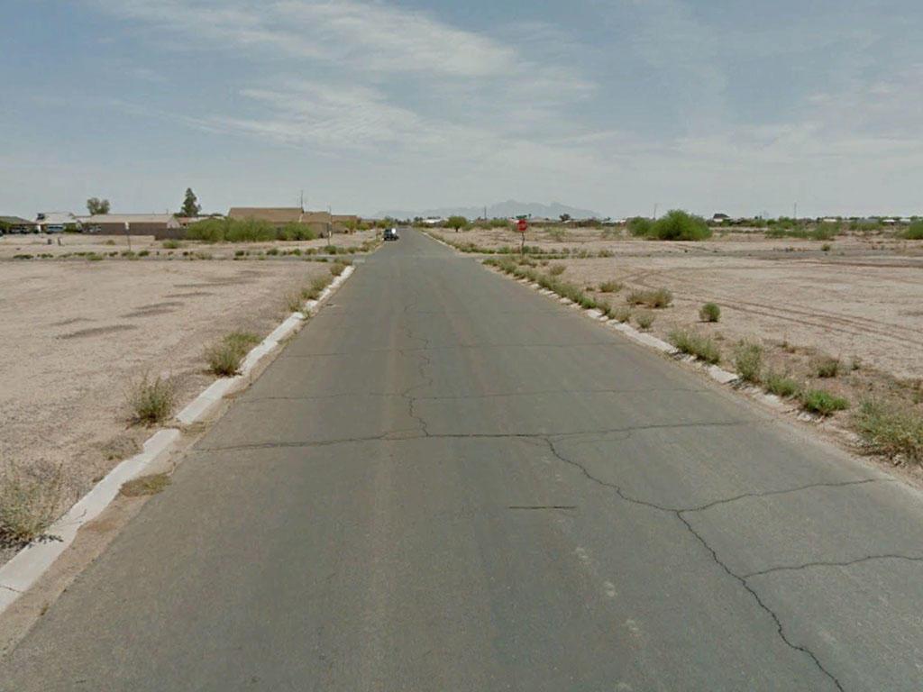 Neighborhood Property in Arizona City, Arizona - Image 4