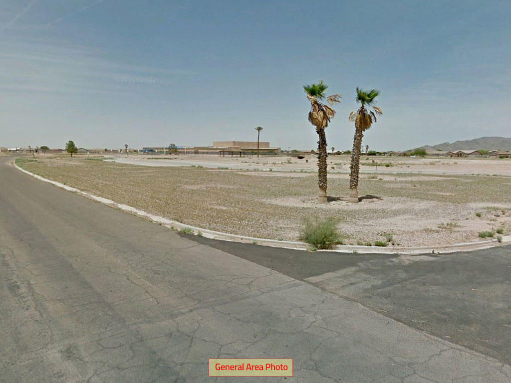 Beautiful Desert Lot in Family Friendly Town - Image 0