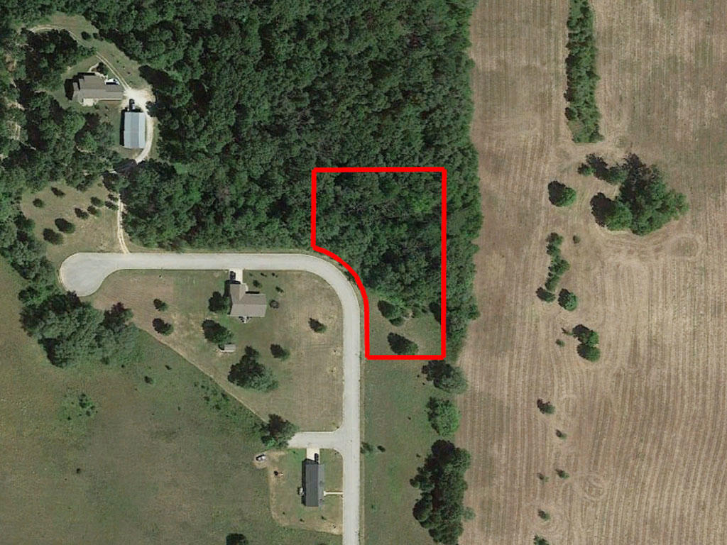 Roughly an Acre and a Half of Prime Midwestern Property - Image 1