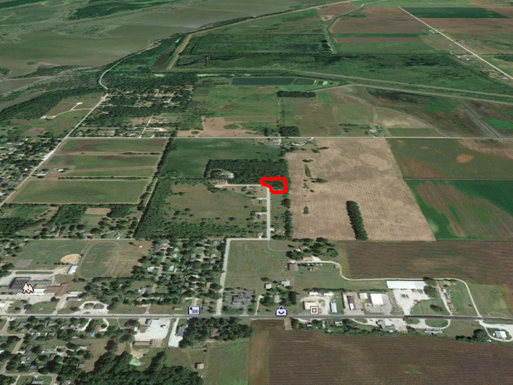 Roughly an Acre and a Half of Prime Midwestern Property - Image 2