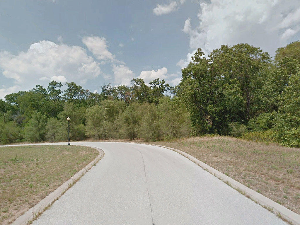 Roughly an Acre and a Half of Prime Midwestern Property - Image 4