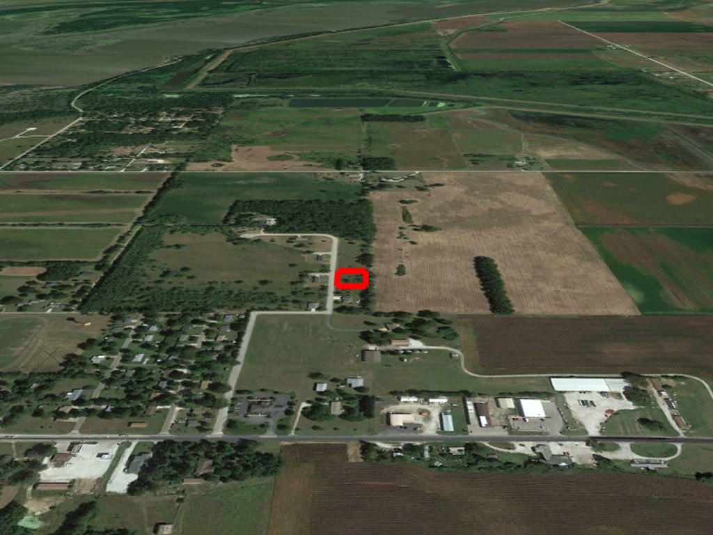 Double Lot Surrounded by Farmland in Rural Midwest - Image 2