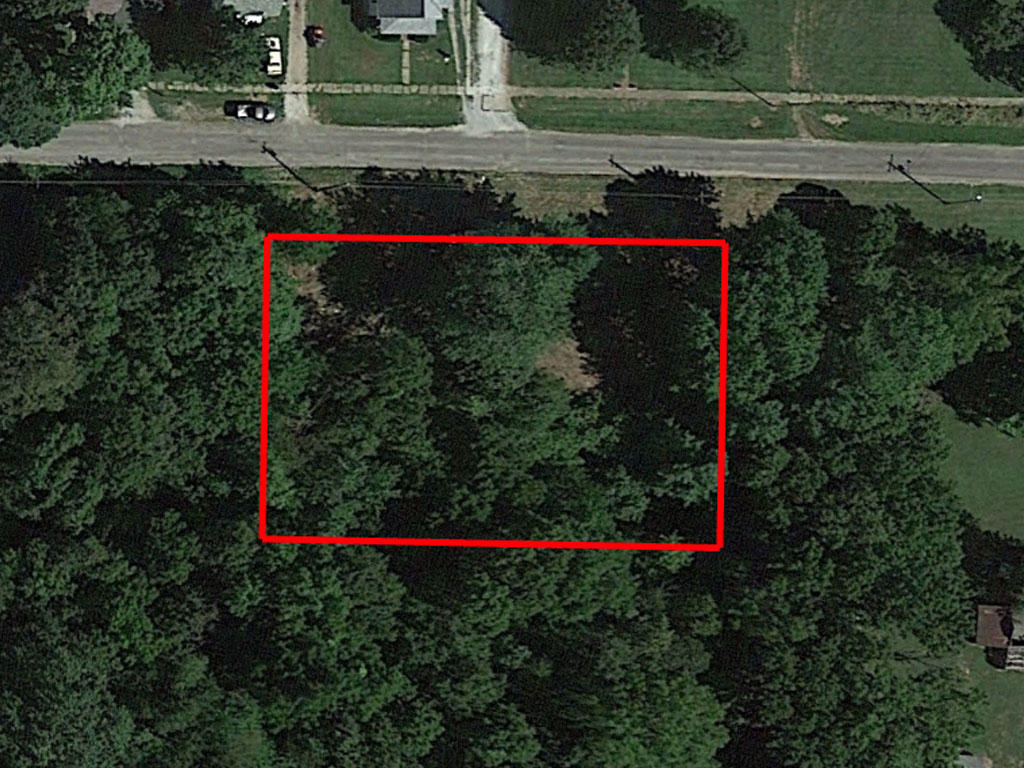 Large Lot in Peaceful Country Neighborhood - Image 1
