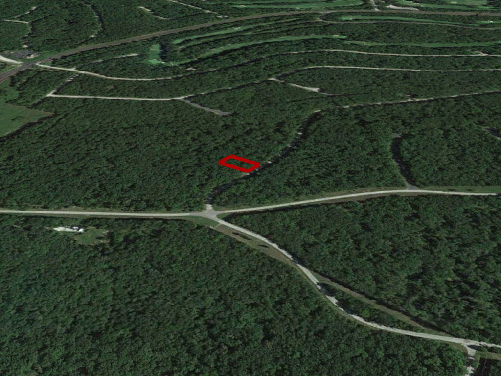 Almost Half an Acre in Popular Vacation Area of Lake of the Ozarks - Image 2