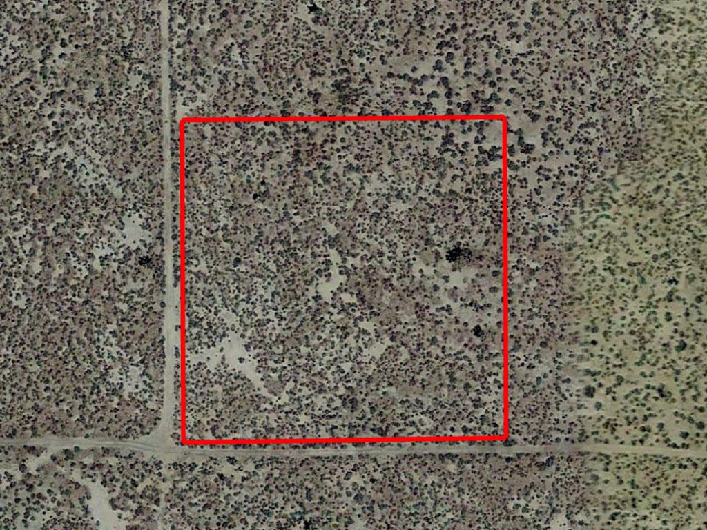 Private 2 Acre Lot in Mojave Desert - Image 1