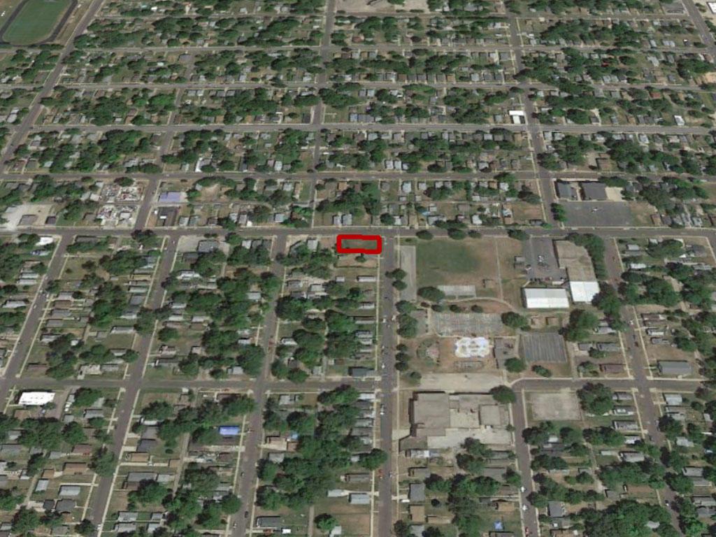 Corner lot in well established Peoria neighborhood - Image 2