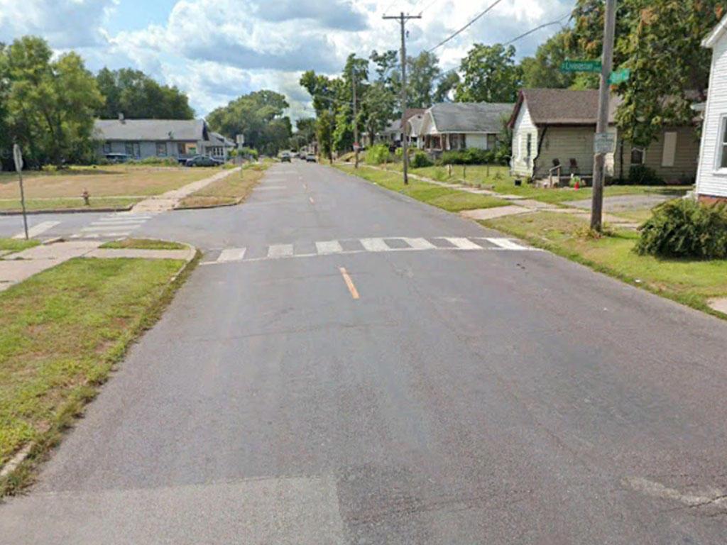 Corner lot in well established Peoria neighborhood - Image 4